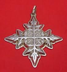 Reed & Barton Annual Cross Ornament 1982 - No Box