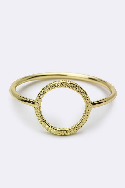 Cutout Circle Textured Delicated Fashion Ring - Gold