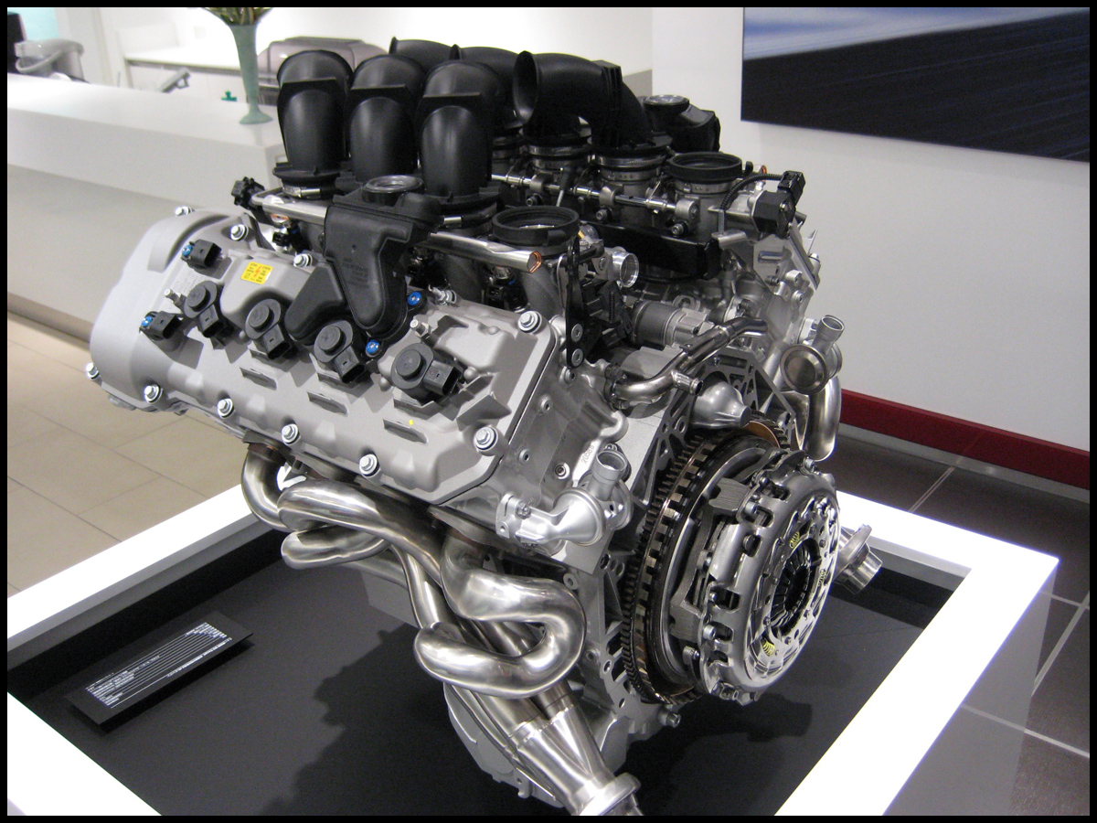 bmw-s65-engine-model.jpg
