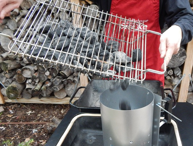 how to use a coal grill