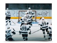 WAYNE GRETZKY Signed Respect Photo LE of 199 UDA.