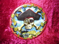 "PIRATE PARTY PLATES Eight 9"" Pirates SKULL Bones New r"