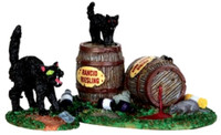 Lemax 34611 WINE BARRELS Spooky Town Accessories Halloween Decor Black Cats bcg