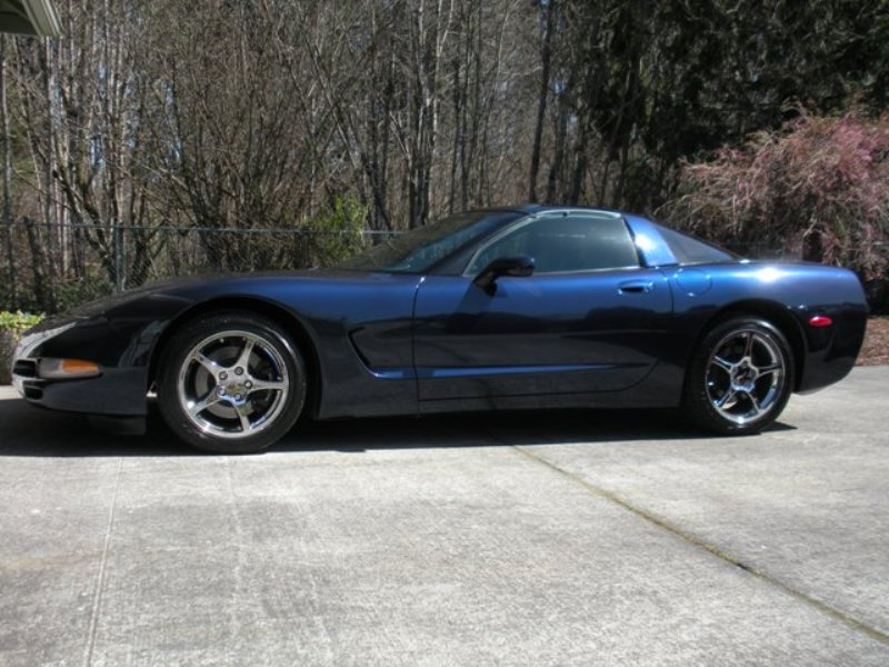 2001 Navy Blue Metallic Corvette Coupe J Bowen