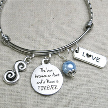Gift for NIECE - The Love Between an Aunt and a Niece is FOREVER Bangle