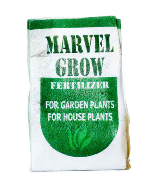 Dollhouse Miniature - MARVEL GROW FERTILIZER - FA56001