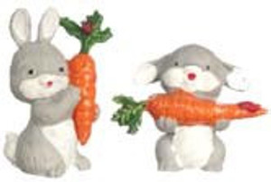 1547 - Gray Bunny With Carrot