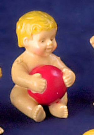 Dollhouse Miniature - G7606G - Baby Plastic with ball