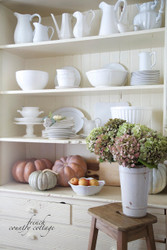 3 simple tips on how to style shelves