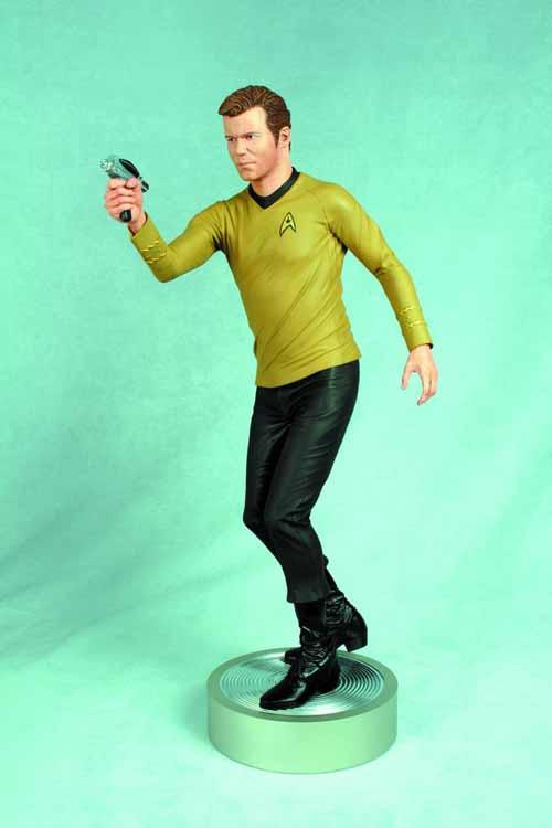 Star Trek Captain Kirk 1/4 Scale Statue -- William Shatner -- APR121791