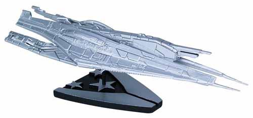 Mass Effect Alliance Cruiser Silver Limited Ship Replica -- DEC130151