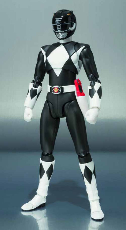 Mmpr Black Ranger S.H.Figuarts Action Figure -- DEC132079