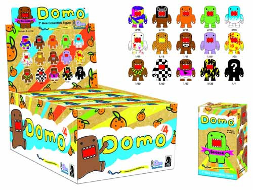 Domo Quee Series 4 Mystery Display Case -- JAN120122