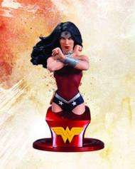 DC Comics Super Heroes Wonder Woman Bust -- JAN130351