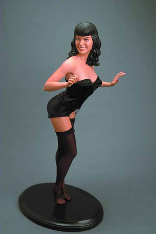 Bettie Page 1/4 Scale Statue -- MAY121864