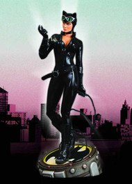 Catwoman 1/4 Scale Museum Quality Statue -- NOV110250
