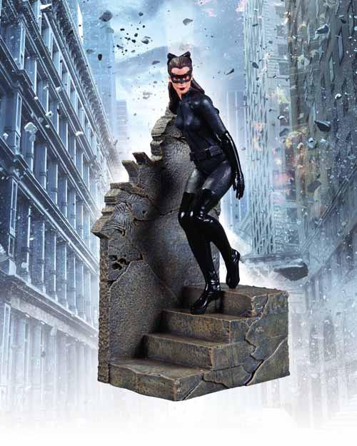 Dark Knight Rises Catwoman 1/12 Scale Statue -- APR120302