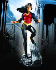Wonder Woman #600 Statue -- OCT100341X