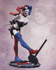 DC Comics Cover Girls Harley Quinn Statue -- SEP120277