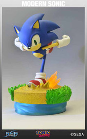 Sonic The Hedgehog Modern Sonic Statue -- SEP121852