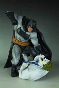 Dark Knight Returns Batman Vs Joker ARTFX Statue -- APR121799