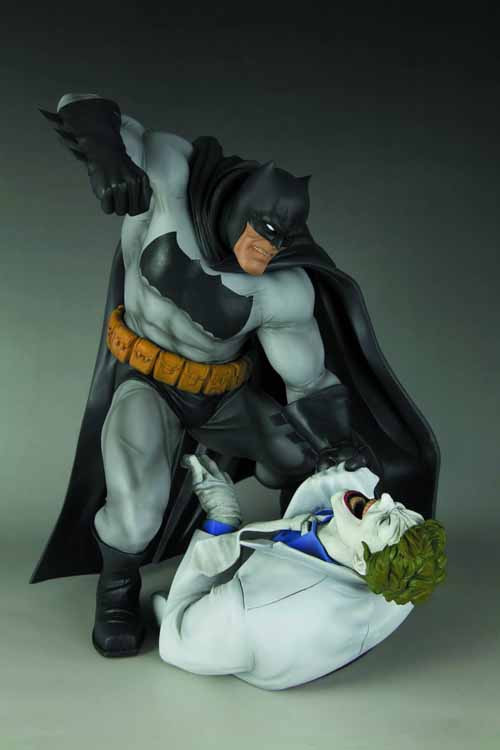 Dark Knight Returns Batman Vs Joker ARTFX Statue -- APR121799