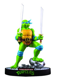 Teenage Mutant Ninja Turtles Leonardo Mouser Statue -- MAY152421