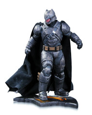 Batman V Superman Armored Batman Statue -- Dark Knight DC -- SEP150334