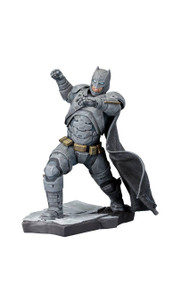 Batman vs Superman DOJ Batman ARTFX+ Statue -- Dark Knight Kotobukiya -- FEB162703