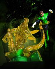 Green Lantern Hal Jordan Vs Parallax Statue -- DEC110336