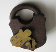 Civil War non-dug padlock