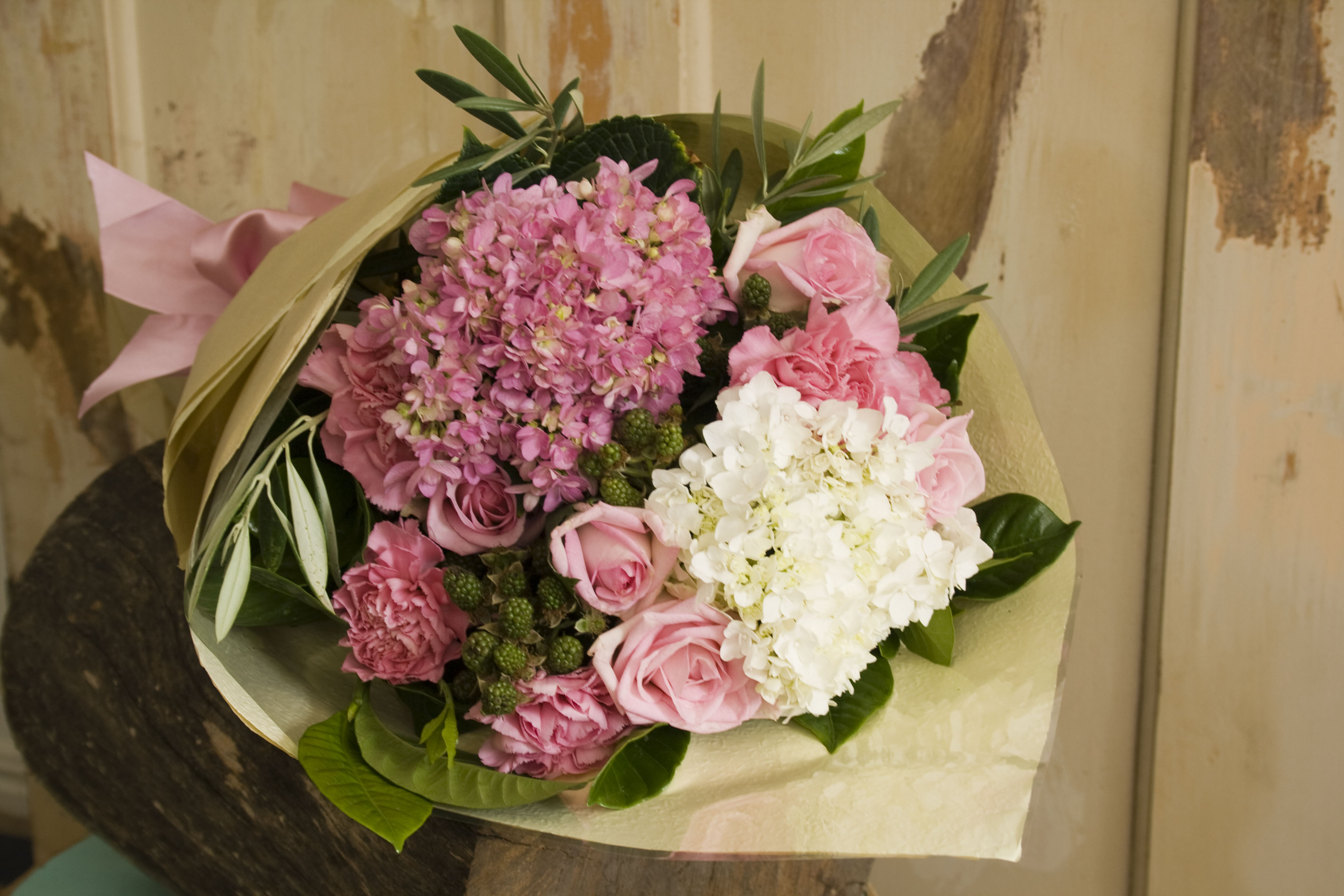 Flowers Gold Coast Flowers at the Door Florist Helensvale Gold Coast Austra