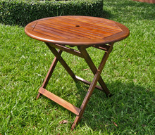 International Caravan Highland Acacia 32-inch Round Folding Table