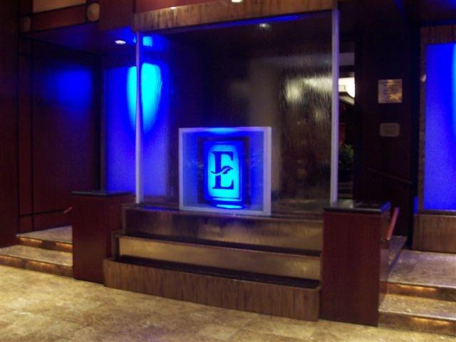 embassy-suites-water-wall.jpg