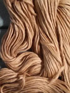 natural brownorganic cotton pencil roving