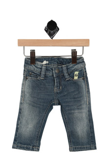 front of jeans have 2 pockets with button & zipper closure and slight fading at legs. Denim is a lighter wash.