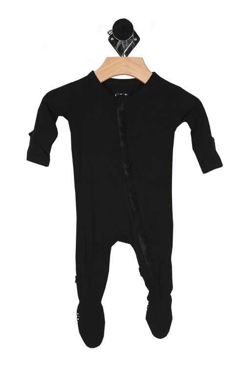 front shows all over black color with zipper front