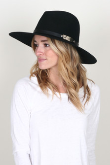 Structured Panama Hat w/ Silver Medallion