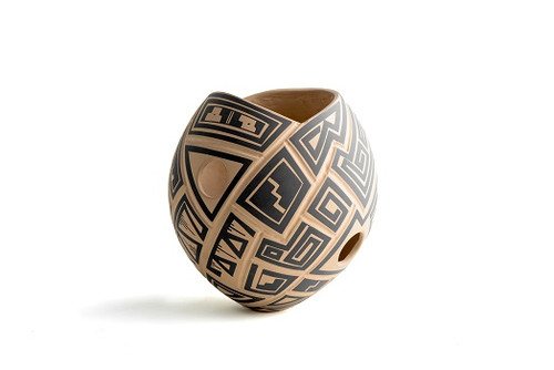Mata Ortiz Pottery by Victor Reyes