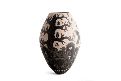 Mata Ortiz by Angel Guerrero Trillo - Large Vase Side 1