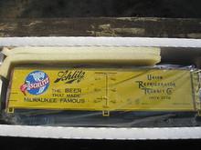 Crown (Weaver) Schlitz Beer 40' Reefer, 3 rail or 2 rail
