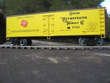Weaver Milwaukee Road 40' Reefer, 3 or 2 rail