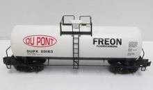 Weaver Dupont white 40' tank car, 3 rail or 2 rail