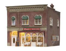 Woodland Scenics O gauge Emilio's Italian Restaurant..super detailed building