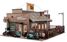 Woodland Scenics O gauge Deuce's Bike Shop..super detailed building
