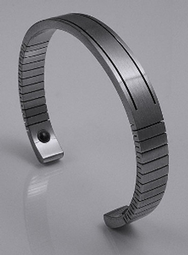 Q-Link Men's Stainless Steel Bracelet with Brushed Finish.
