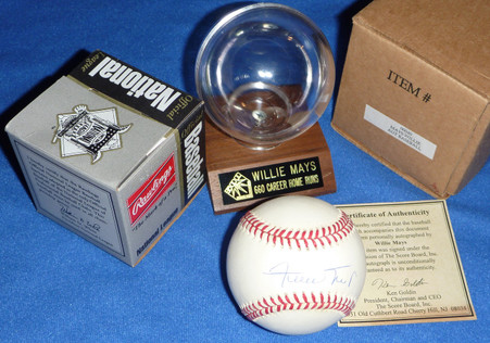 San Francisco Giants Willie Mays SIGNED Official National League (William White) BASEBALL with CAREER STAT 660 HR BALL HOLDER and ScoreBoard COA