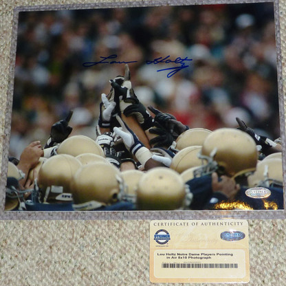 LOU HOLTZ SIGNED NOTRE DAME FIGHTING IRISH 8x10 TEAM PHOTO STEINER AUTHENTIC COA
