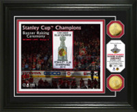 *Chicago Blackhawks 2015 Stanley Cup Champions Banner Raising Gold Coin Photo Mint