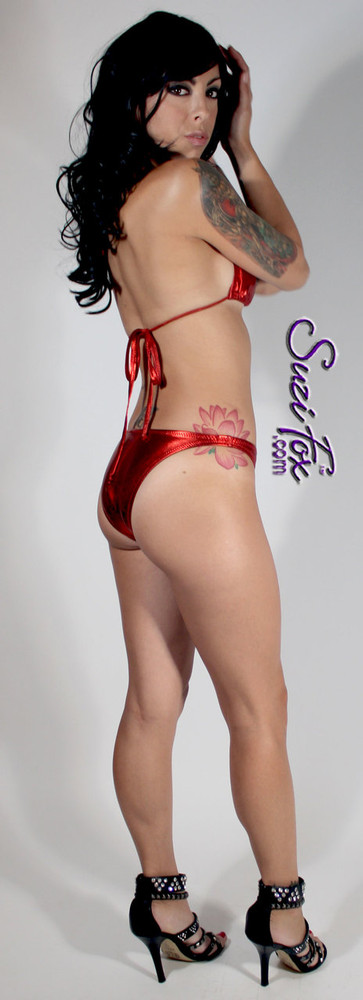 Adjustable Triangle String Bikini Top shown in Red Metallic Foil Spandex, custom made by Suzi Fox. • Adjustable! Make it thinner or wider! • Available in gold, silver, copper, gunmetal, turquoise, Royal blue, red, green, purple, fuchsia, black faux leather/rubber Metallic Foil, and any fabric on this site. • Bottom sold separately. (B8 Brazilian Bikini Bottom shown) • Made in the U.S.A.